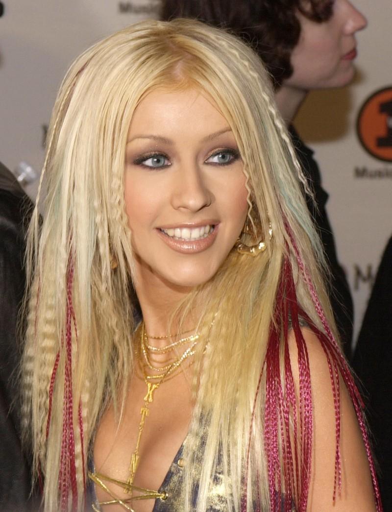 Gekrepptes Haar haben wir früher alle geliebt, heute ist es eher eine Modesünde.