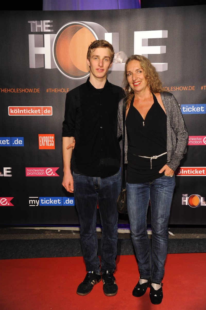 Schauspielerin Irene Schwarz mit ihrem Sohn.