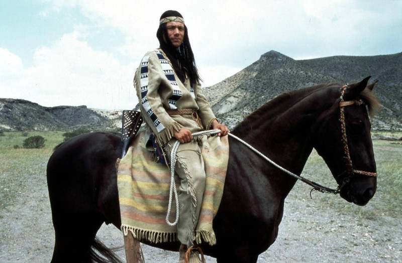 Abachi sitz in manchen Filmsezen nicht auf einem echten Pferd