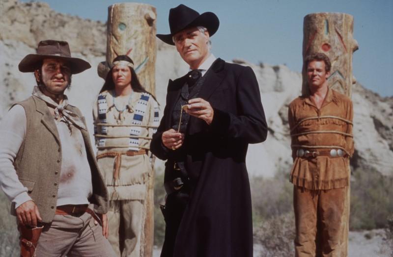 Abahachi und Ranger hängen am Materphal und hier offenbart sich ein erster Filmfehler.