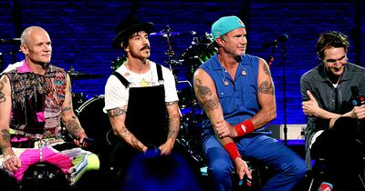 Red Hot Chili Peppers: So bizarr verlief das Leben des Frontsängers Anthony Kiedis!