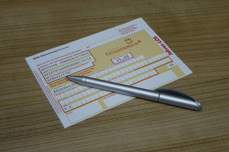 Überweisungen, die offline getätigt werden, kosten auch Geld.