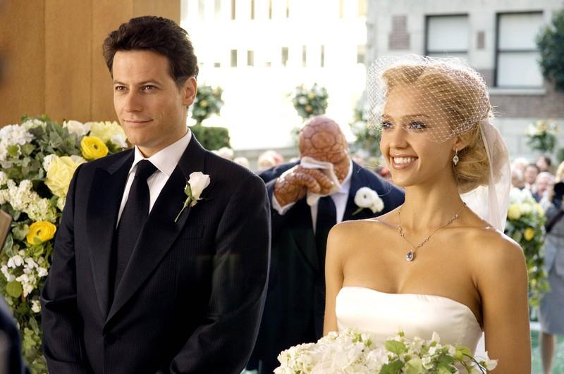 """Im Film """"Fantastic Four"""" heirateten Ioan Gruffudd und Jessica Alba sogar. Doch irgendwie nahm man ihnen die Liebesnummer nicht ab"""