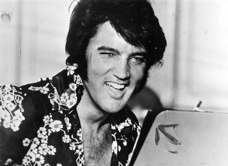 """Elvis Aaron Presley, der überall nur als """"Elvis"""" im Gedächtnis geblieben ist, war der Rock- und Popmusiker des 20. Jahrhunderts und unser aller Held."""