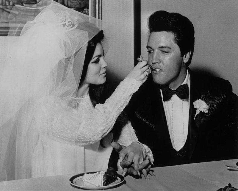 Elvis lebt in unseren Herzen und auf unseren Ohren auf jeden Fall weiter.
