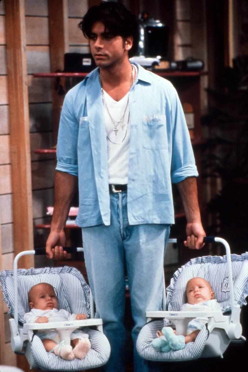 """Der Schauspieler John Stamos wollte in """"Full House"""" dafür sorgen, dass die Zwillinge ausgetauscht werden"""