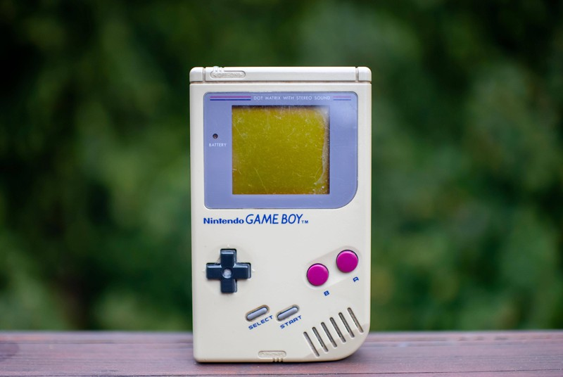 Dieses Bild zeigt einen Game Boy aus den 90ern.