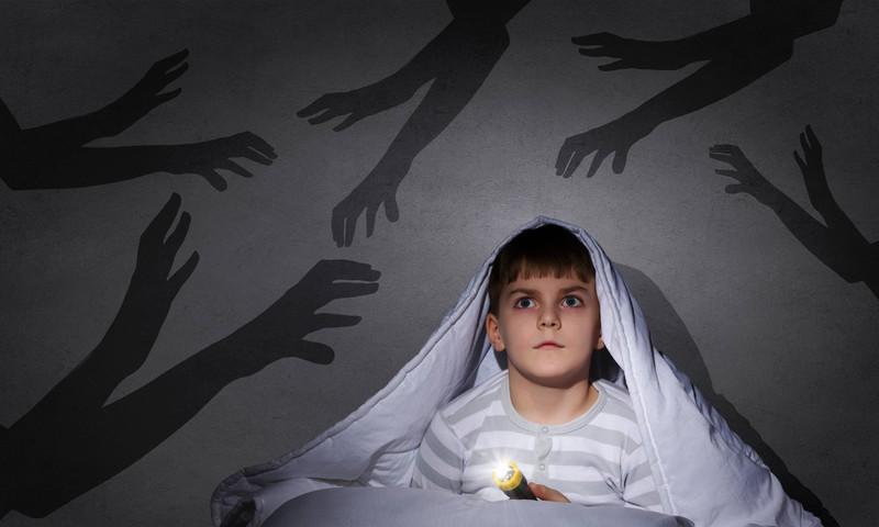 Viele Kinder fürchten sich vor und in der Dunkelheit.