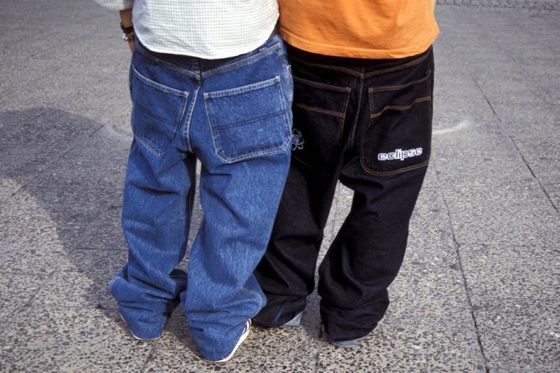 Baggy-Pants waren in den 90er Jahren richtig modern.