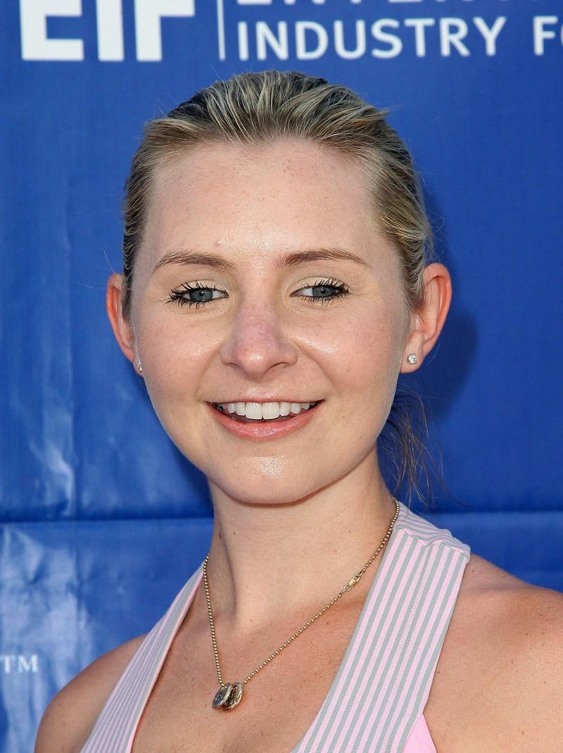 """Beverley Mitchell als """"Lucy Camden"""""""