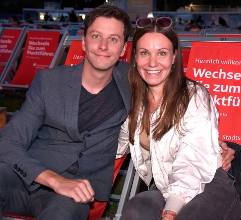 Jonathan Beck mit seiner Freundin Isabell Stern.