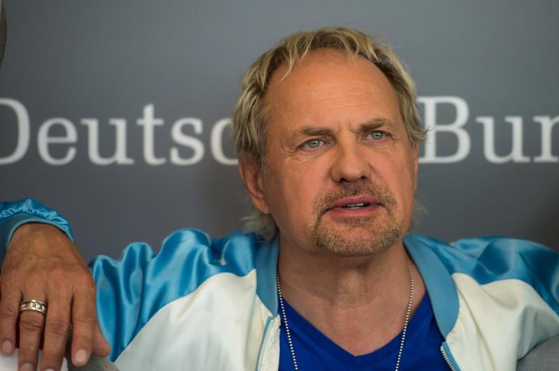 Uwe Ochsenknecht spielte Maxis Vater.