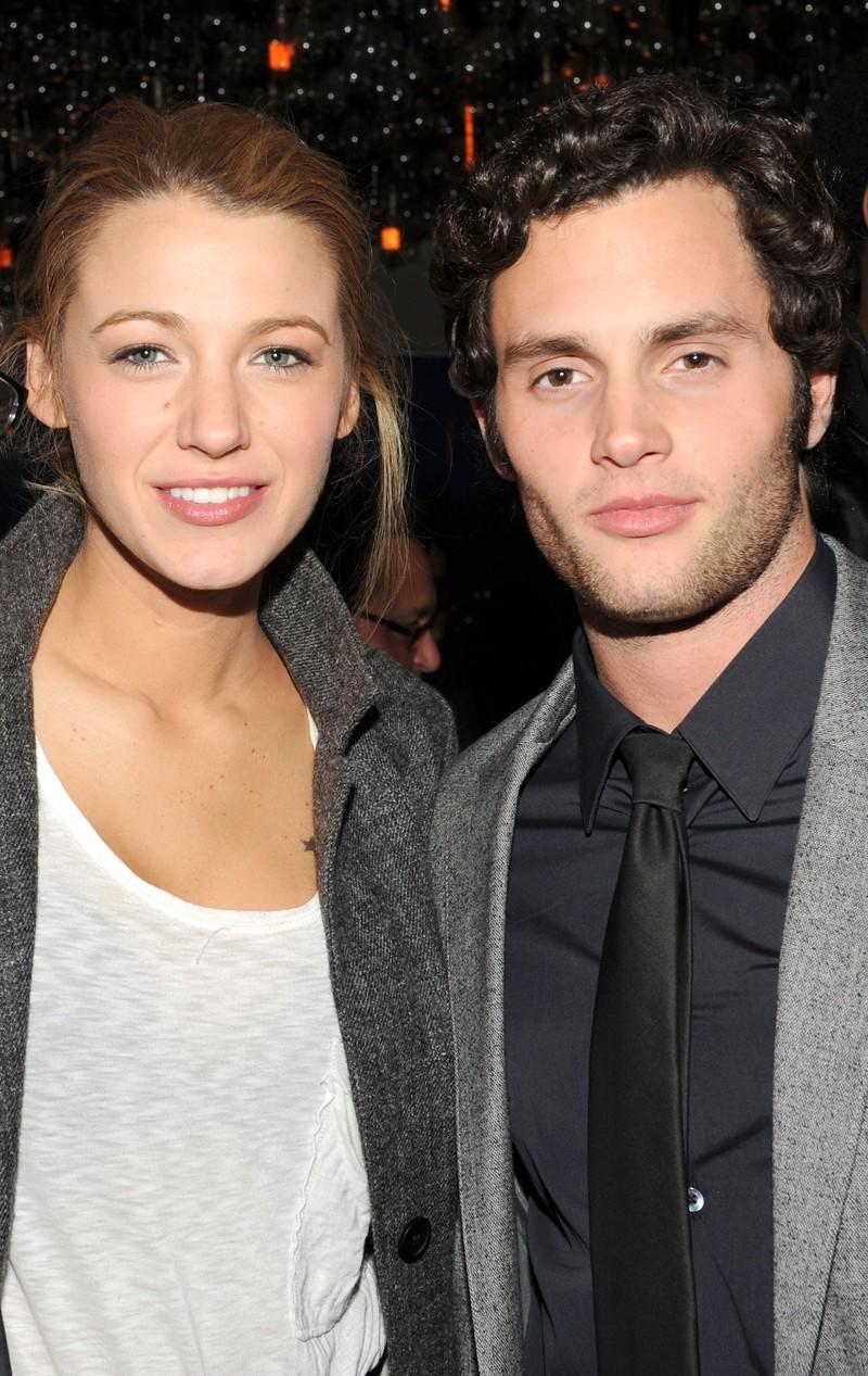 Auf dem Bild sieht man Blake Lively und Penn Badgley, die früher mal ein Paar waren.
