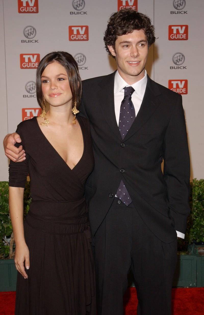 Auf dem Bild sieht man Rachel Bilson und Adam Brody, die früher mal ein Paar waren.