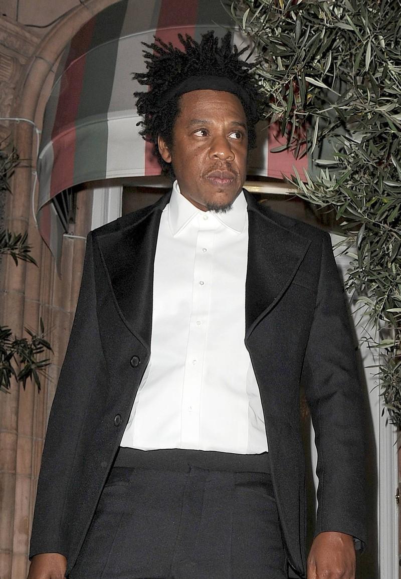 Jay-Z sieht aus wie der Mann aus Harlem in den 1930er Jahren.