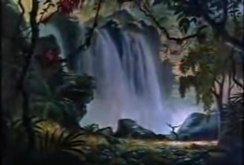Die Kulisse eines Wasserfalls im Dschungel
