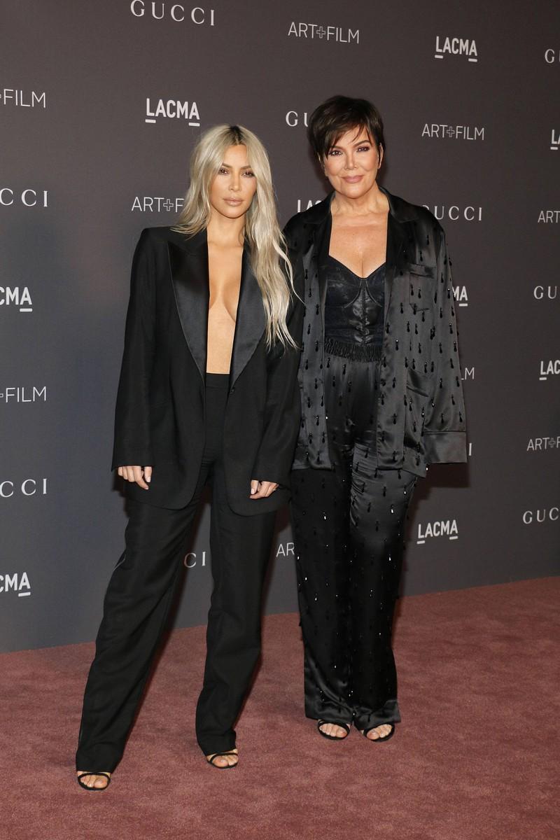 Kim Kardashian und ihre Mutter Kris Jenner bei der LACMA Art
