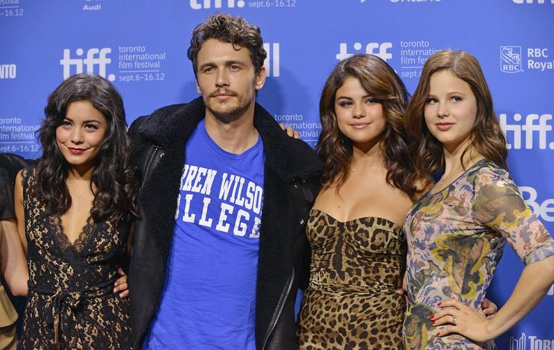 """In """"Spring Breakers"""" küssten sich Vanessa Hudgens und James Franco, aber Vanessa genoss den Kuss mit Kollegin Ashley Benson mehr."""