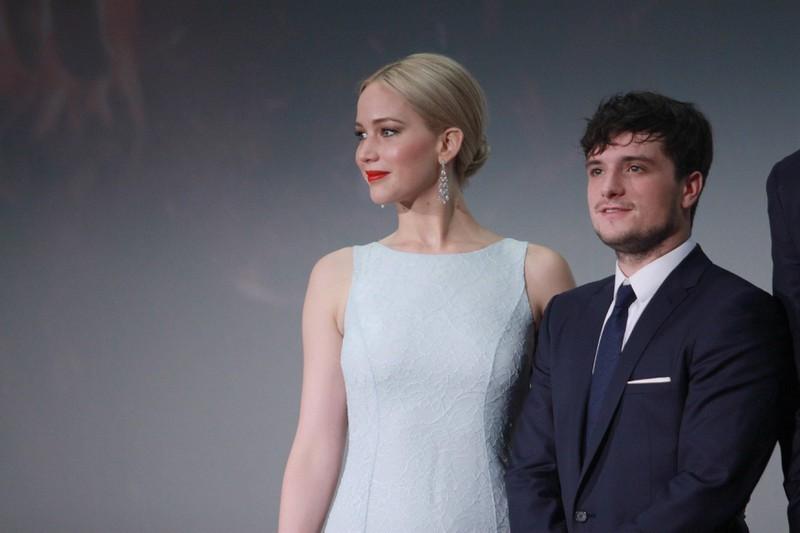 """Jennifer Lawrence und Josh Hutcherson haben sich in """"Die Tribute von Panem: Catching Fire"""" geküsst, doch Josh meinte, Jennifer sei keine gute Küsserin."""