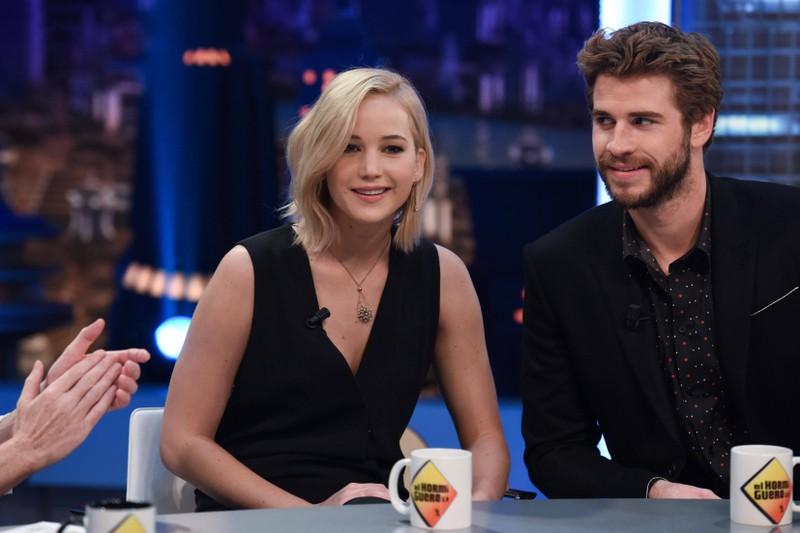 """Jennifer Lawrence und Liam Hemsworth küssten sich in """"Die Tribute von Panem"""", doch Liam klagte über Mundgeruch seiner Kollegin."""