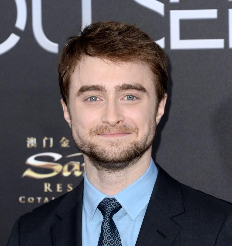 """Man sieht Daniel Radclife, alias ,,Harry Potter"""", der in der Entzugsklinik war, weil er Alkoholabhängig und Nikotinsüchtig war"""