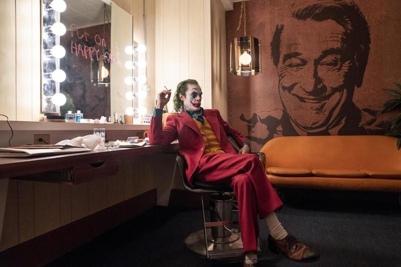 """In der Rolle des """"Joker"""" ist hier Joaquin Phoenix zu sehen."""