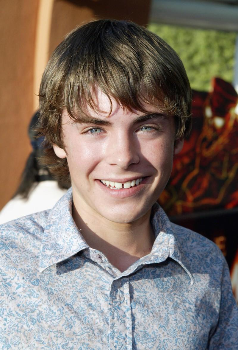 """Man sieht Zac Efron 2006, als er in dem Disney-Film ,,High School Musical"""" mitspielte"""