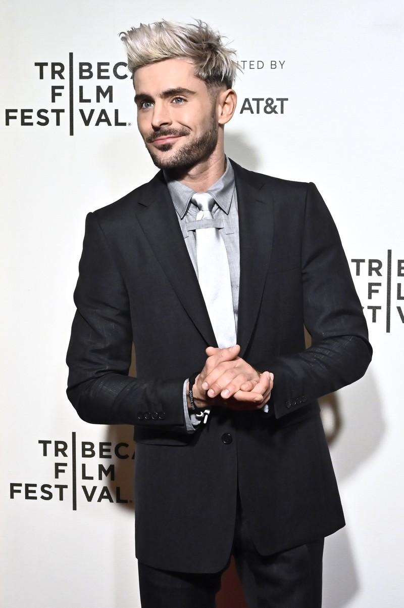 Auf dem Bild ist Zac Efron als 32-Jähriger, der mittlerweile immer noch erfolgreich als Schauspieler tätig ist