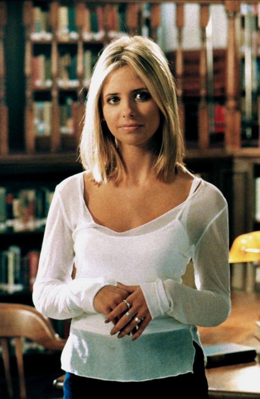 """Als """"Buffy"""" in """"Buffy - im Bann der Dämonen"""" gehört Sarah Michelle Geller immer ein besonderer Platz in unserem Herzen."""