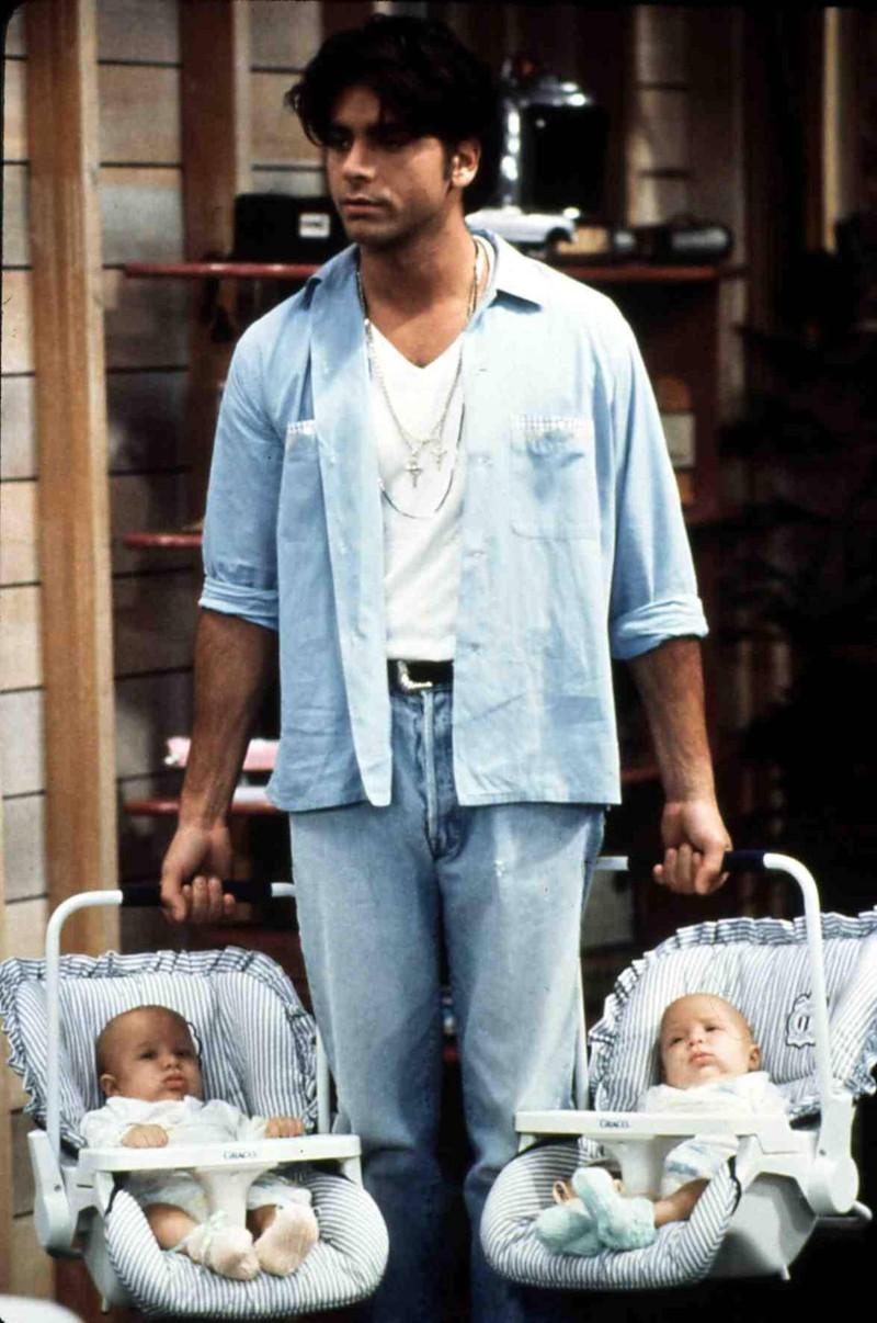 """John Stamos als """"Onkel Jesse"""" in """"Full House"""" ist und bleibt der coolste Fernsehen-Onkel."""