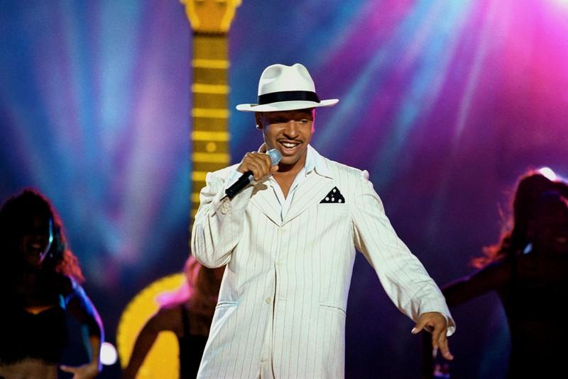 90er Jahre Star Lou Bega auf der Bühne