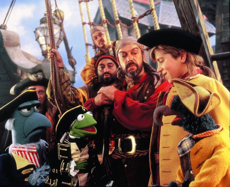 """""""Muppets – Die Schatzinsel"""", 1996, hat ebenfalls eine Andeutung"""