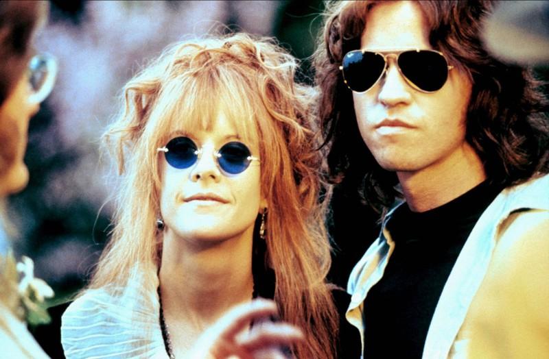 """In """"The Doors"""" trägt Jim Morris eine Sonnenbrille, die es 1971, als er starb, noch nicht gab, sondern erst in den 1980er Jahren."""