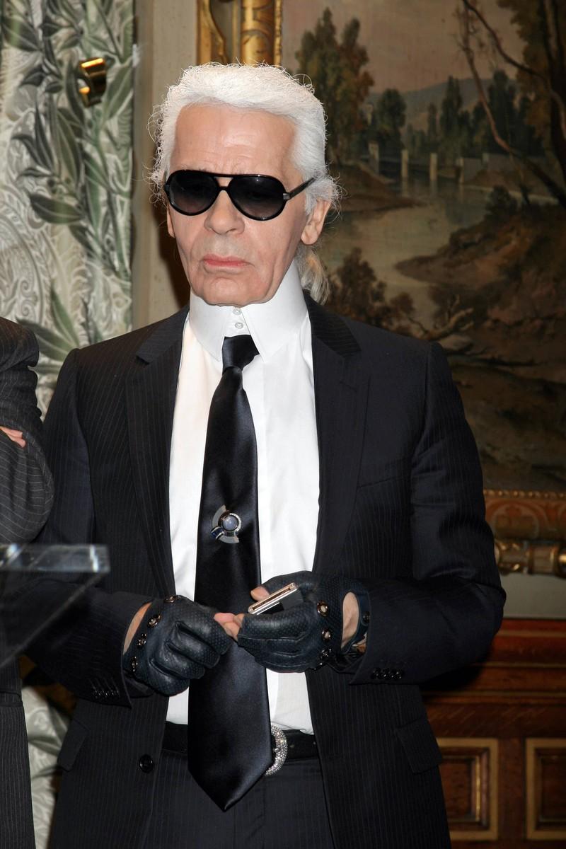 Karl Lagerfeld arbeitete sich in der Modewelt ohne Schulabschluss nach ganz oben.