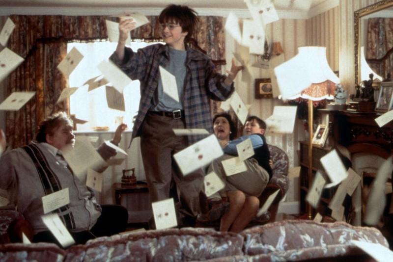 Die Dursleys  lügen Harry Potter an, wenn es um seine Eltern geht, was richtige Fans natürlich wissen.
