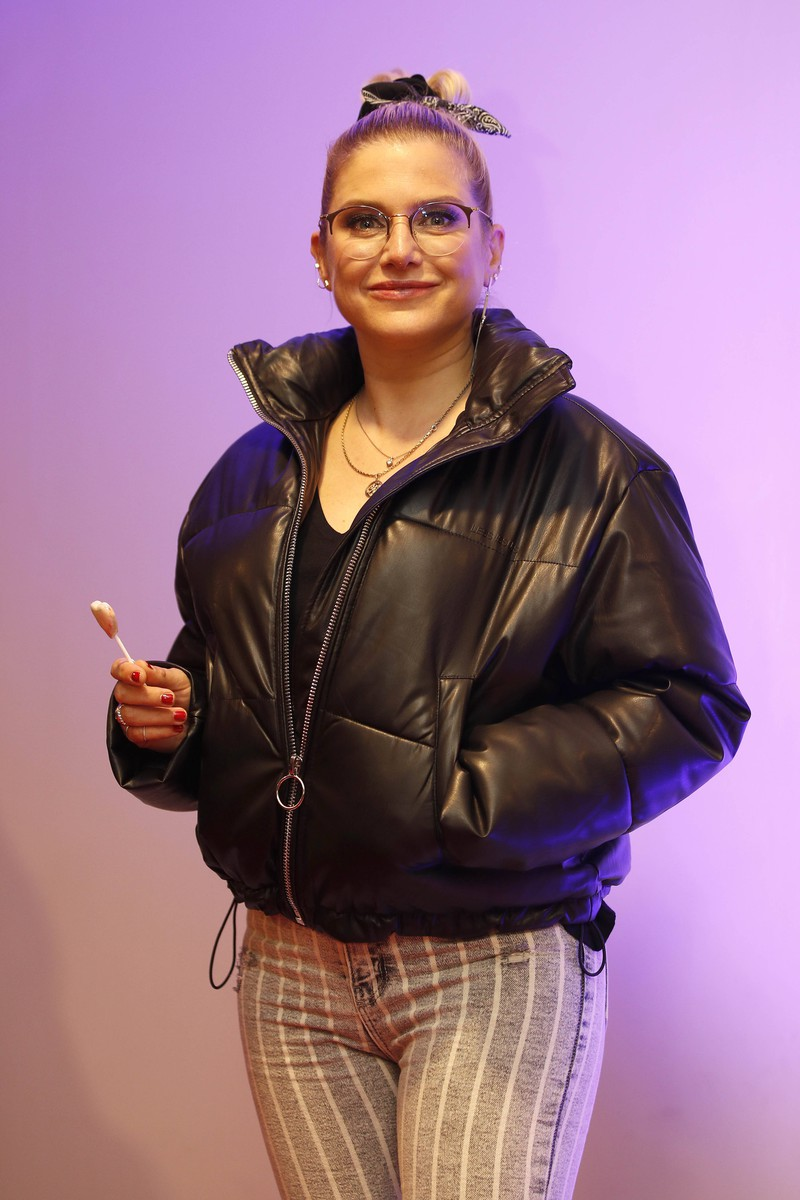Mittlerweile sieht Jeanette Biedermann total anders aus, man erkennt sie fast nicht mehr.