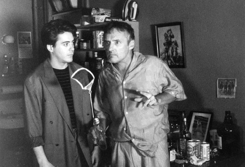 Robert Downey junior in einer seiner ersten Rollen. Der Schauspieler ist kaum wieder zu erkennen.