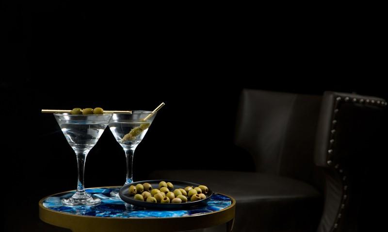 Martini-Gläser mit Oliven