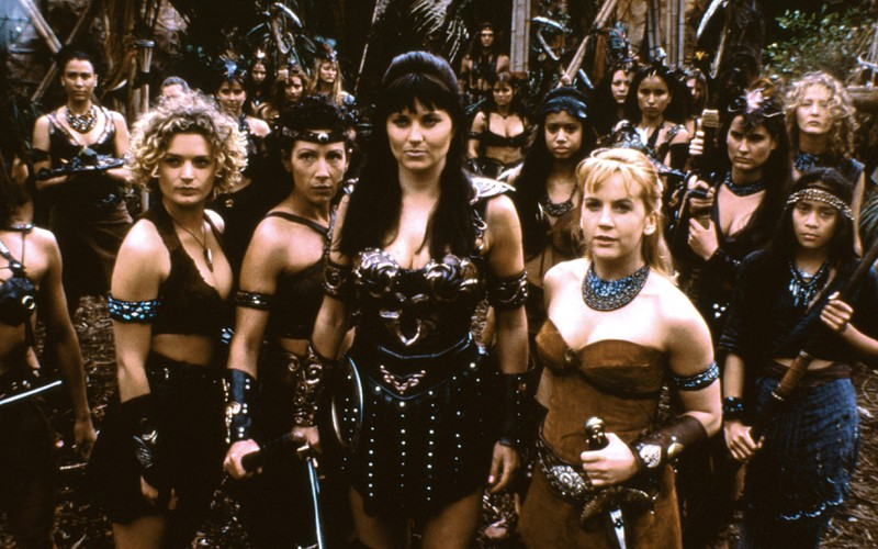 Xena die Kriegerprinzessin und Mitdarsteller in der Serie.