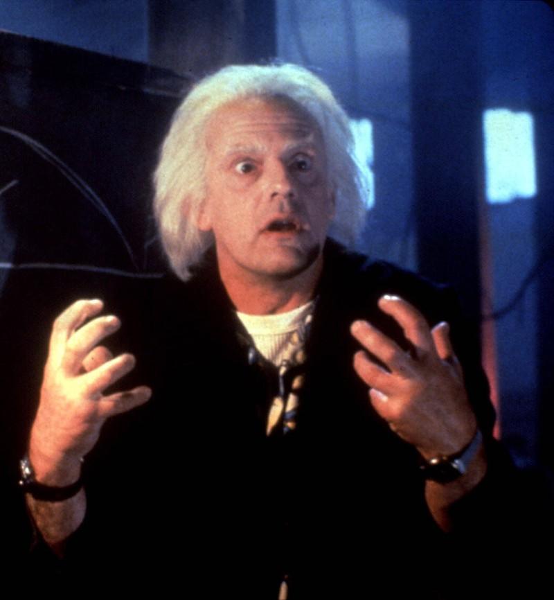 """Gespielt wurde die legendäre Rolle des Dr. Brown in """"Zurück in die Zukunft"""" von Christopher Lloyd."""