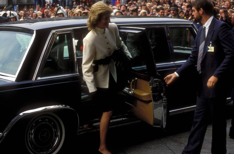 """""""Lady Di"""" bei ihrer Ankunft anlässlich ihres Besuches in Köln."""