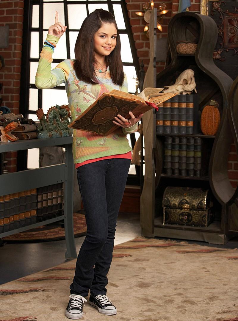 """Selena Gomez spielte bei ,, Die Zauberer vom Waverly Place"""" Alex Russo"""
