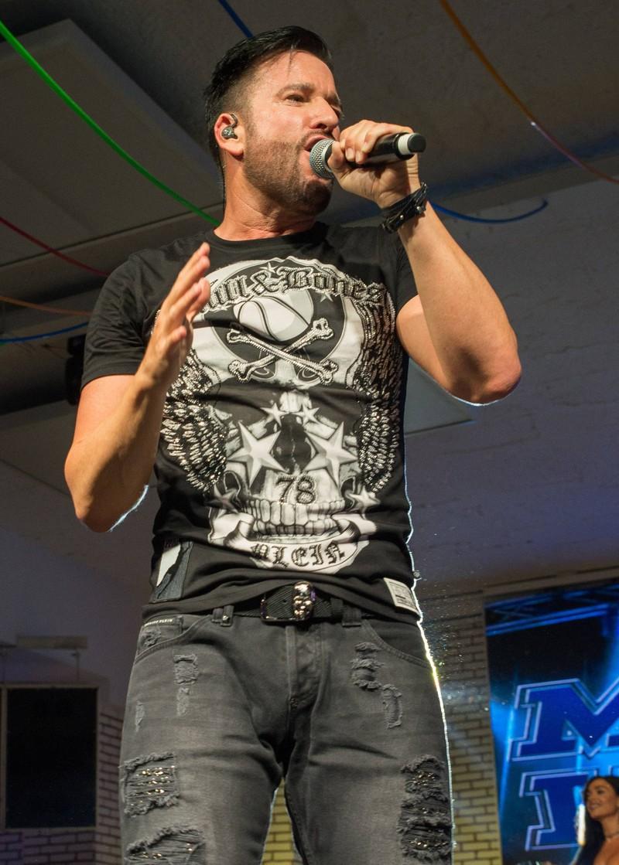 Michael Wendler ist ebenfalls ein Sänger aus der Schlagerszene.