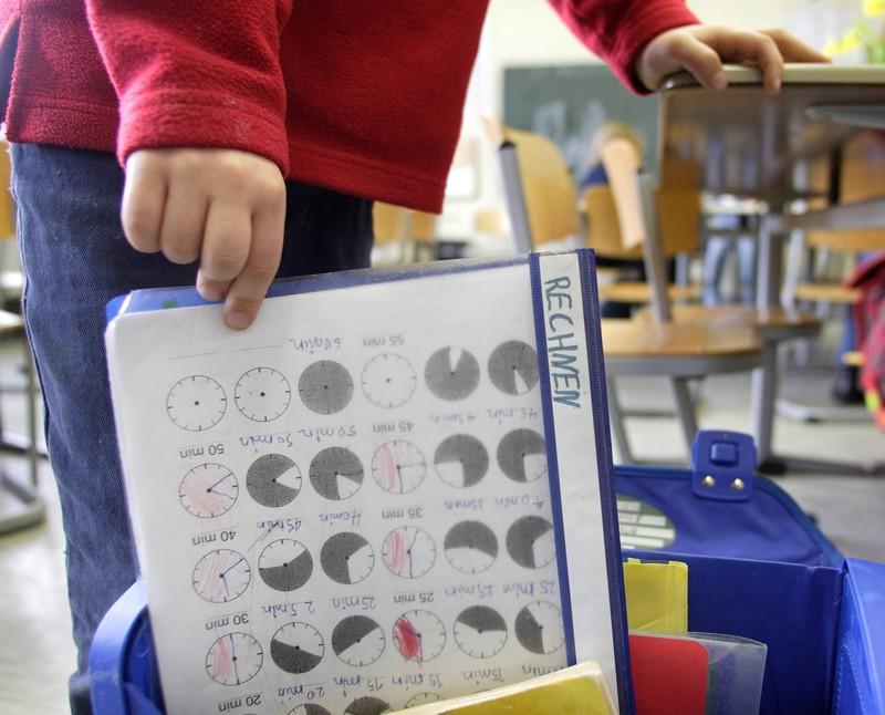 In der Grundschule gab es für jedes Schulfach einen Ordner mit einer anderen Farbe.