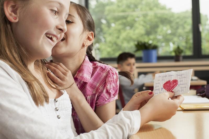 Liebesbriefe zu bekommen finden nicht nur Schüler besonders schön.