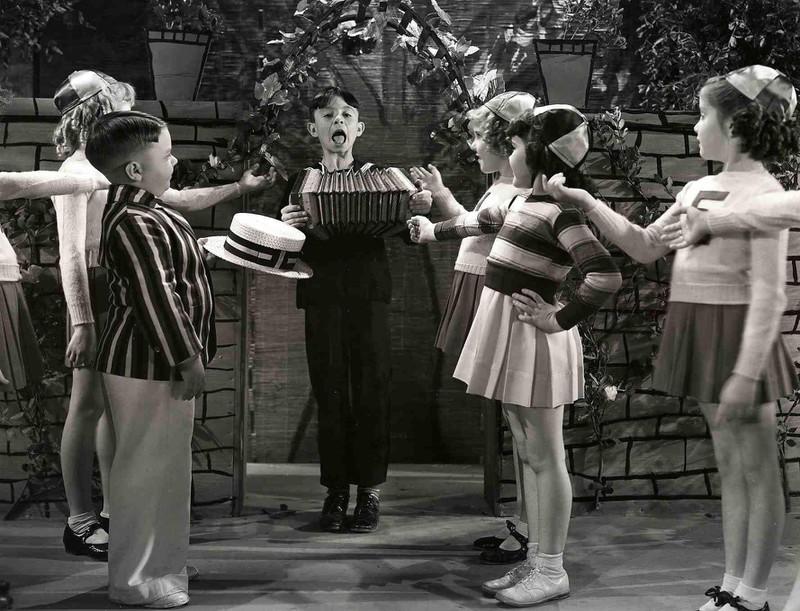 So sahen die kleinen Strolche ab 1935 aus.
