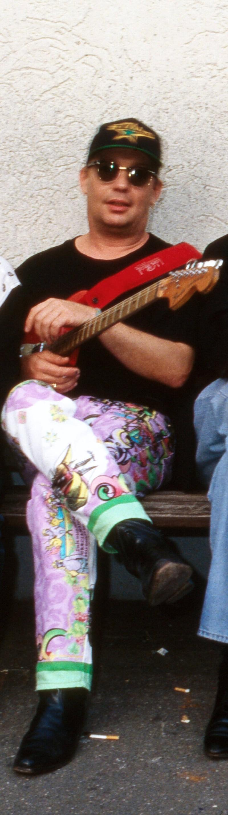 Willie Duncan kommt als zweiter Gitarrist 1988 dazu.