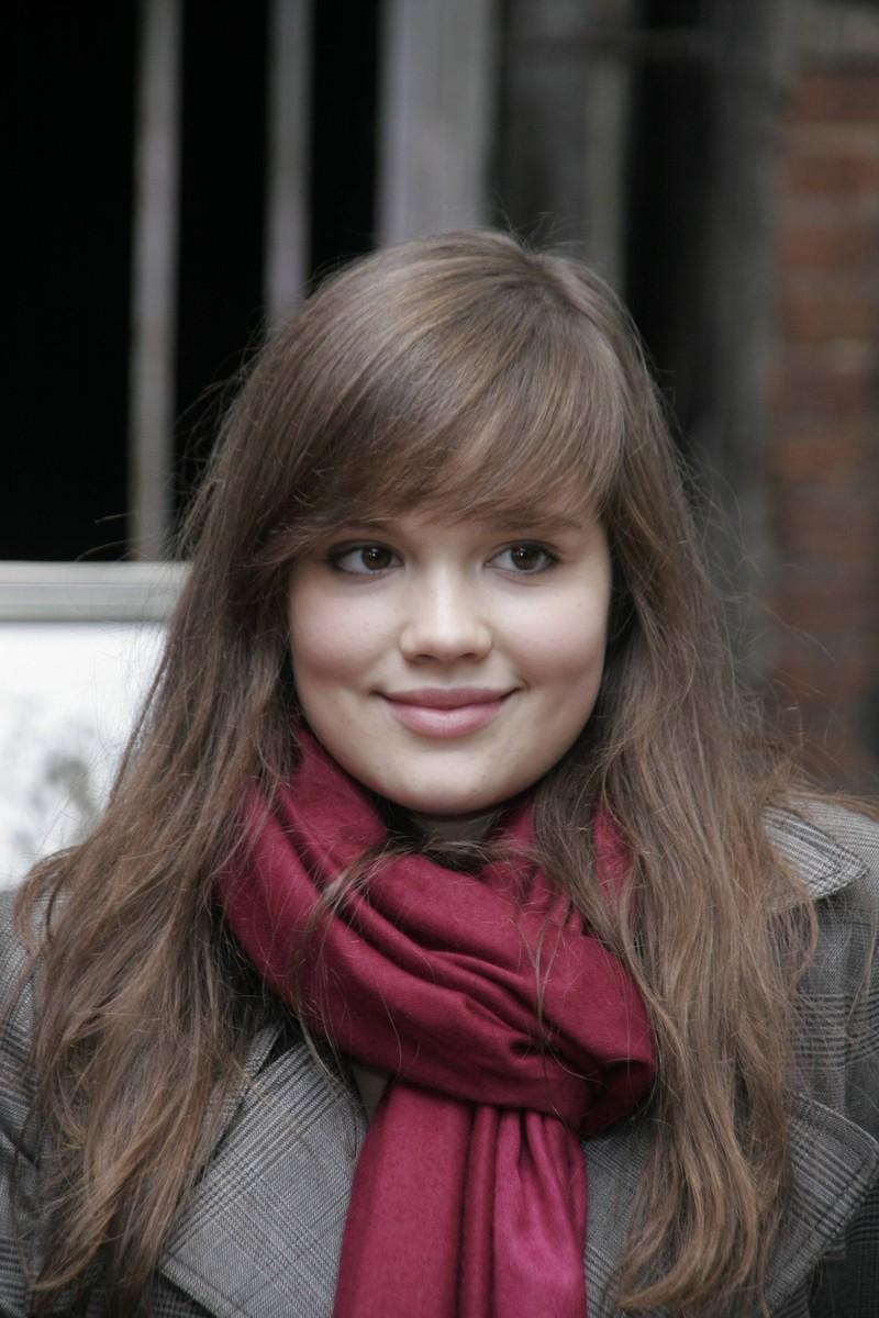 Bei freche Mädchen hatte Emilia Schüle noch lange braune Haare.
