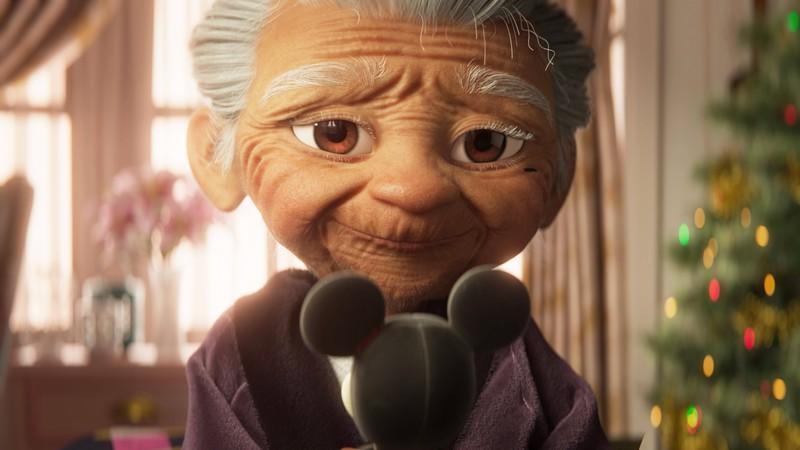 Eine Großmutter wird durch ein Plüschtier an ihre Kindheit erinnert.