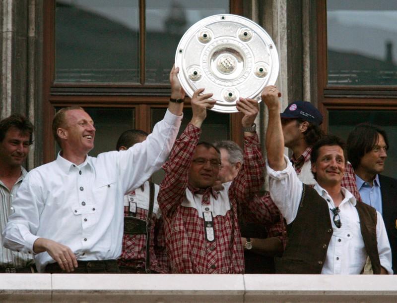 Der FC Bayern holt mit Felix Magath zwei Titel